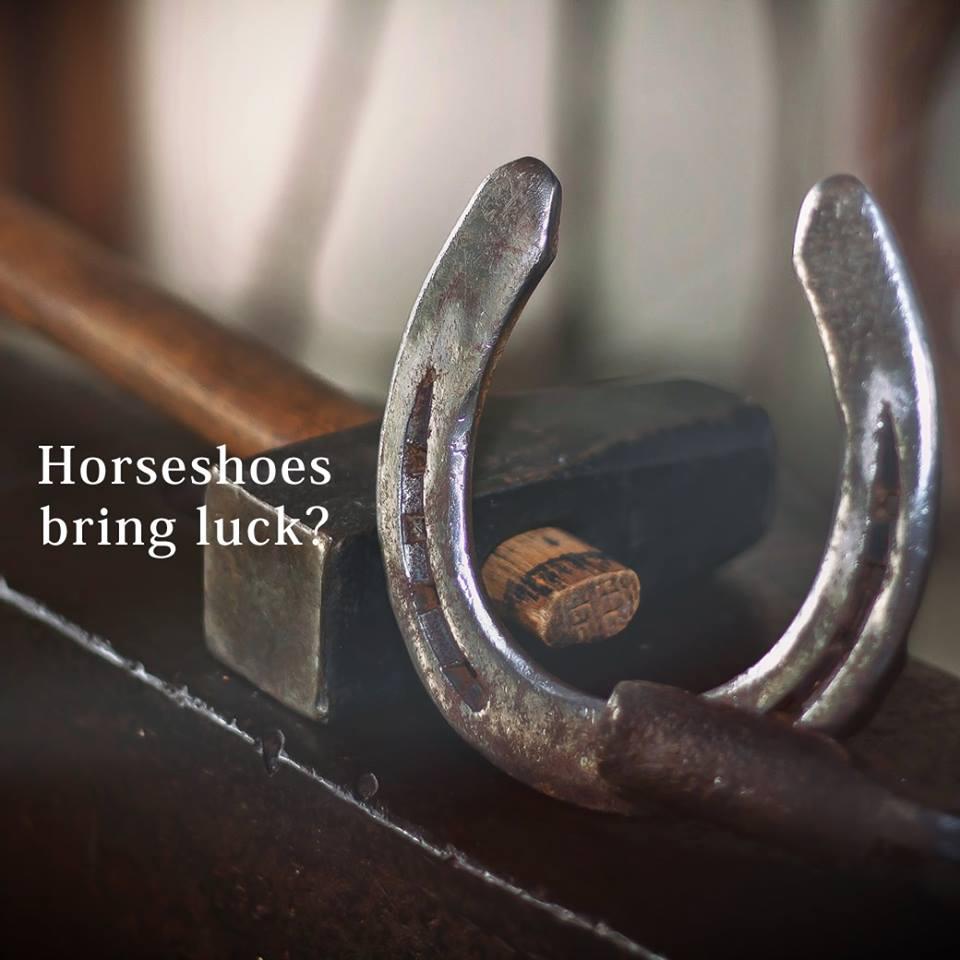 馬の蹄鉄が幸運を招く?